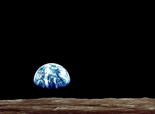 Earthrise-500