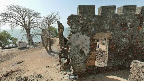 Kunta-Kinteh-ruins